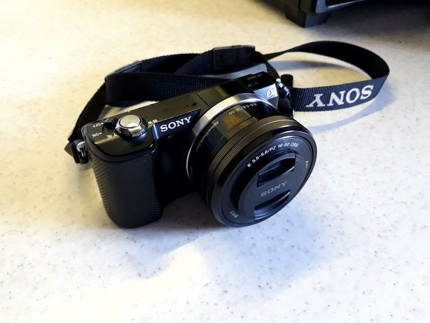 Aparat Sony A5000 obiektyw 16-50mm bezlusterkowiec torba zestaw
