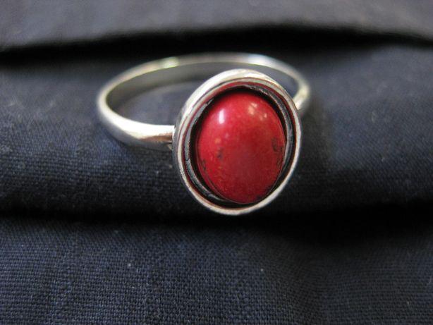 Stary pierścionek Srebro Koral