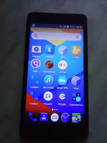 Продам смартфон  Erqo 500 андроид 7.0