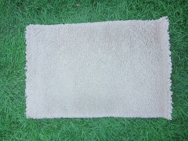 Beżowy dywan dywanik Shaggy