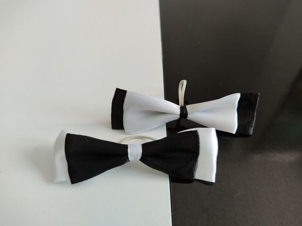 Kokardki, muszki z gumką - zawieszki na wódkę weselną