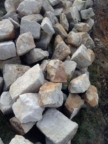 Kamienie piaskowiec