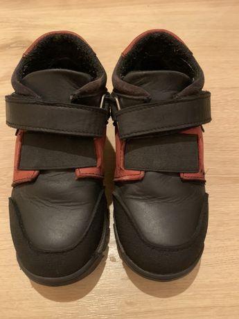 Ботинки кожаные на байке ,демисезонные