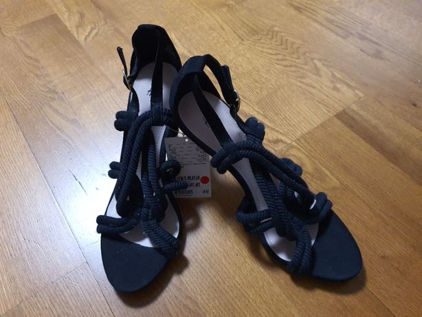 Nowe Sandały H&M