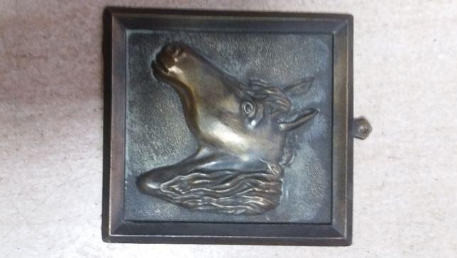 Metaloplastyka - koń - zawieszka na ścianę z brązu (13 cm)