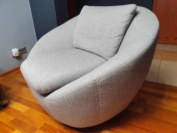Nowoczesny fotel obrotowy.