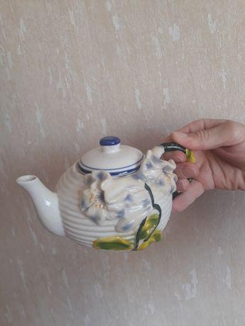 Керамичкский чайник ручной работы Olvia