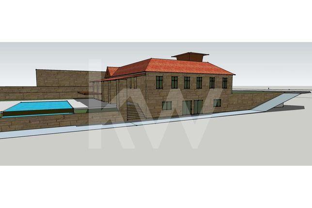 Quinta 9.200 m2 e casa em pedra 300 m2 | Próxima à Aldeia de Xisto, Qu