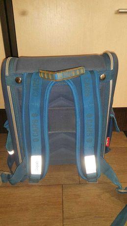 Школьный рюкзак для младших классов