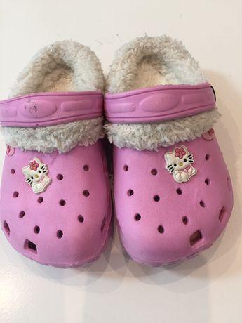 Crocs de Inverno Hello Kitty 26 a ESTREAR