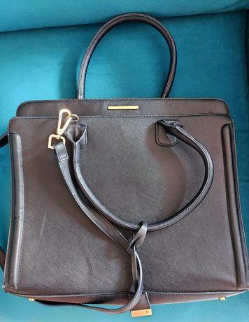 Czarna torebka shopping bag MOHITO