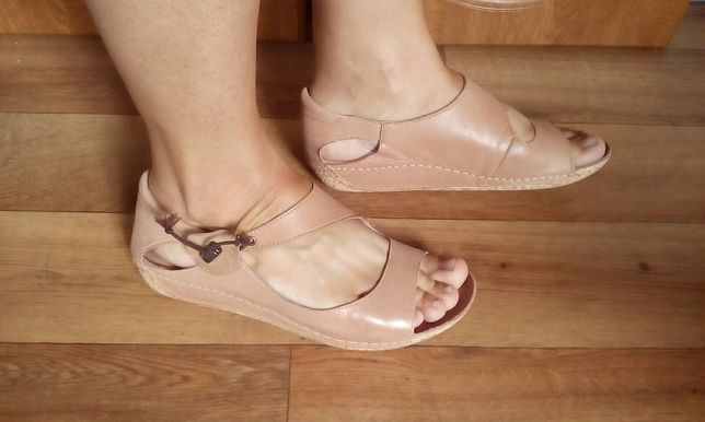 Sandały Lasocki skórzane r.40 wkł.25,5 cm