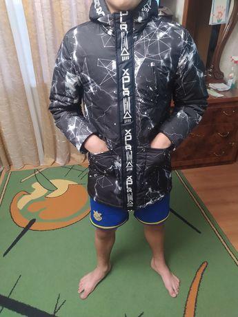 Куртка новая превезеная с польшы,сын одевал 5 раз вобщем не насил.