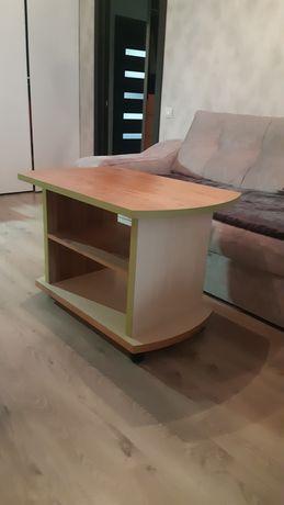 Продам журнальный столик,столик под телевизор