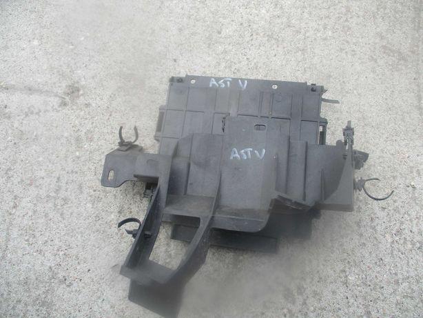 Opel Astra K V obudowa mocowanie komputera kompletne