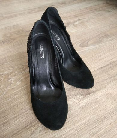 Туфли замшевые (1500 руб.)