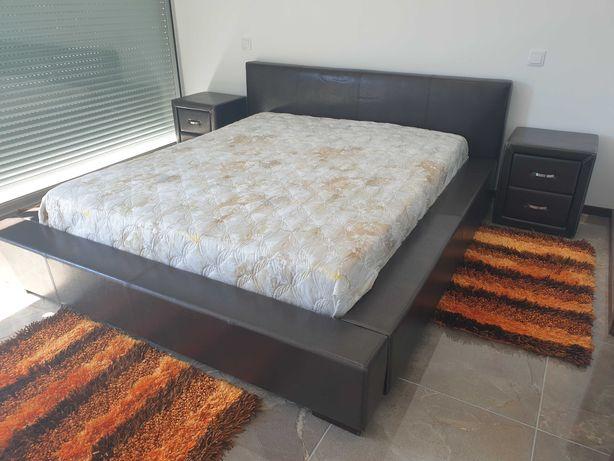 Mobilia de quarto completa em pele