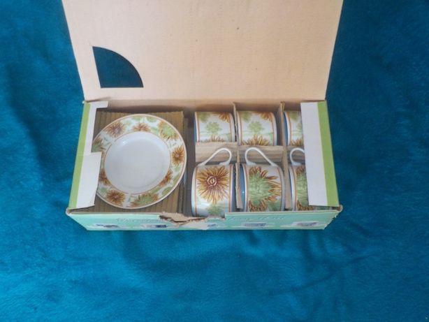 Chińska porcelana - serwis do kawy 12-elementowy