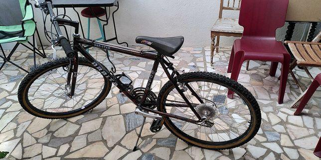 Bicicleta de montanha BTT