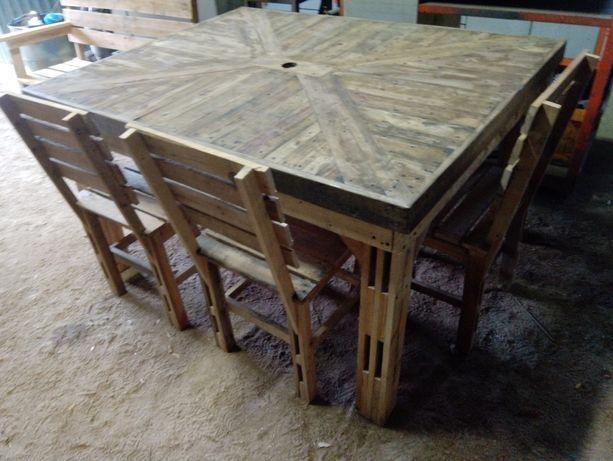 Mesa +6 cadeiras em madeira reciclada