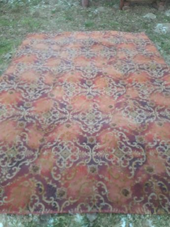 Stary dywan z PRLu