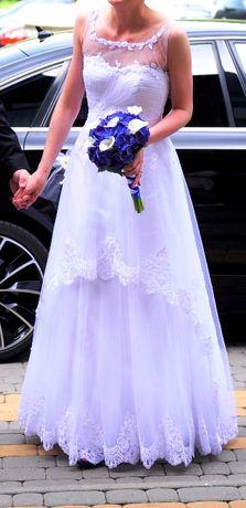 Suknia ślubna subtelna