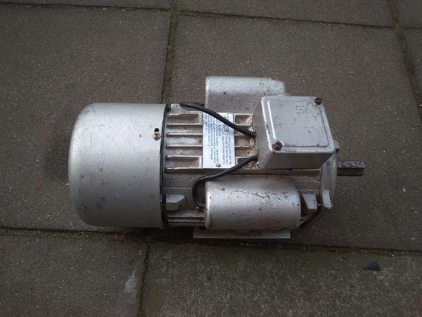 Silnik jednofazowy jamnik 230V