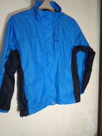 Курточка,ветровка на мальчика 10 лет