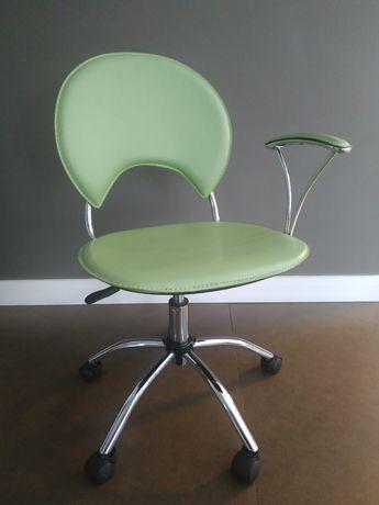 Krzesło obrotowe BRW