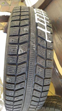 Продам зимние шины в отличном состоянии