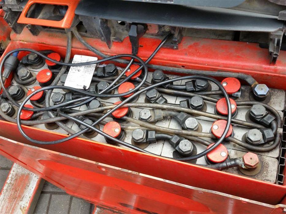 Paleciak elektryczny LINDE T16 2015 rok
