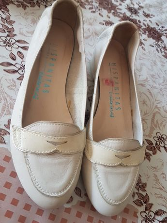 Białe skórzane buty hispanitas