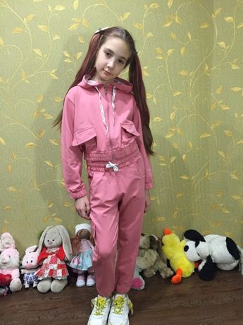 стильный спортивный костюм для девочки
