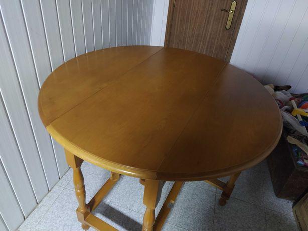 Mesa cozinha redonda em pinho