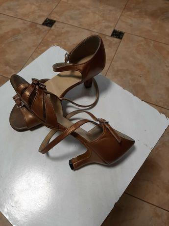 Танцювальні туфлі взуття