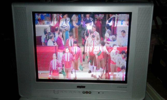 TV sanyo 55 cm a trabalhar bem