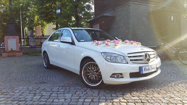 Do ślubu pięknym Mercedesem nowa C klasa solidnie i tanio.