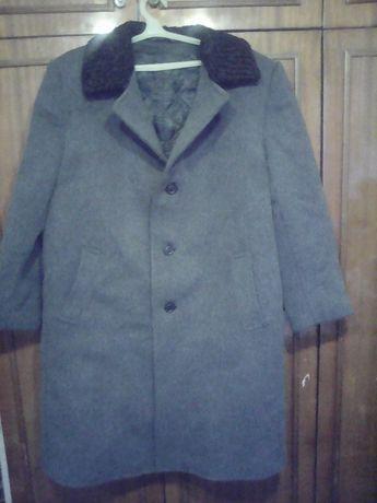 Продам драповое мужское пальто