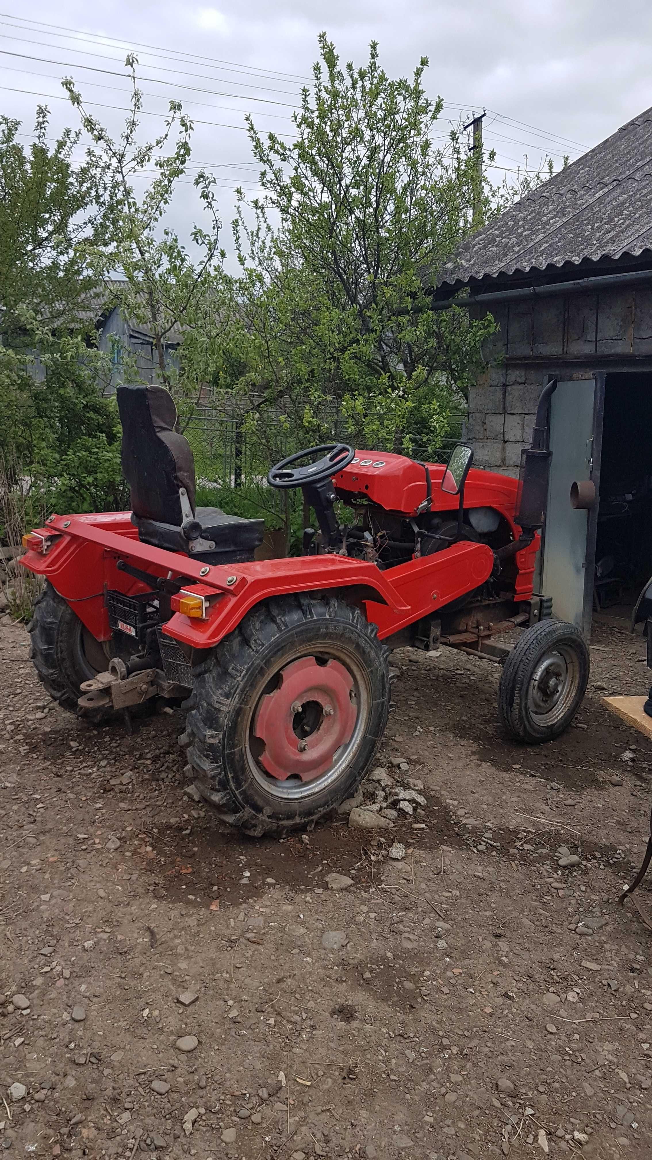 Продам трактор HY-240