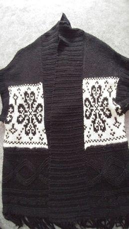 Sweter narzuta kamizelka warkocze frędzle czarna uniwersalna