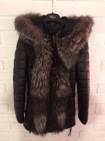 Шкіряна куртка з чорнобуркою