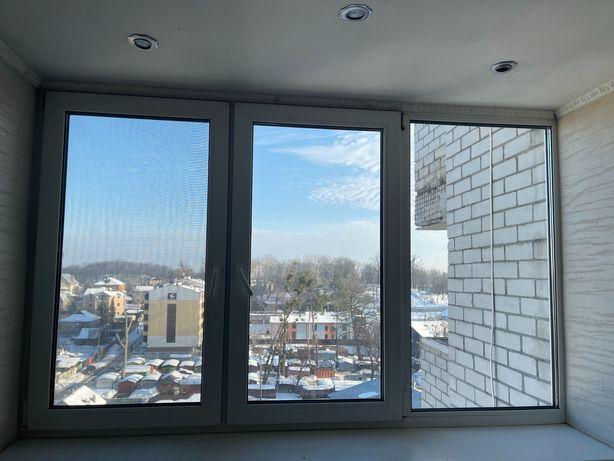 Пластиковое окно можно для балкона, лоджии.