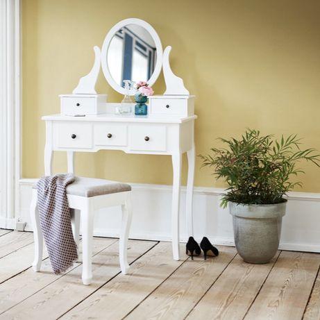Столик с зеркалом + стульчик . Цена на сайте 4999!