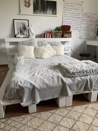 Łóżko z palet palety paleta białe