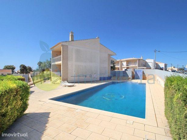 Amplo apartamento T1 com piscina, para venda em Branqueir...
