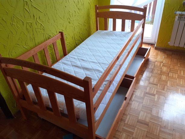 łóżko drewniane dziecięce