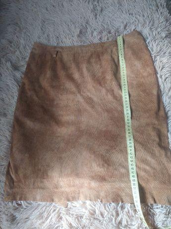 Юбка в идеальном состоянии,рыжего цвета,48 размер
