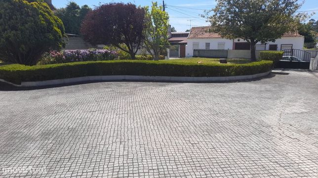 Moradia Isolada T6 com Terreno para Construção em Sosa Vagos