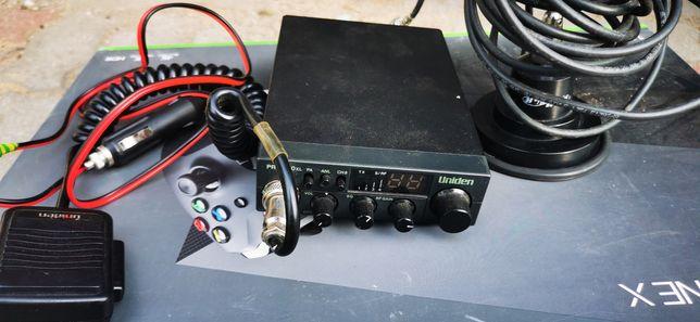 CB-Radio Uniden z anteną