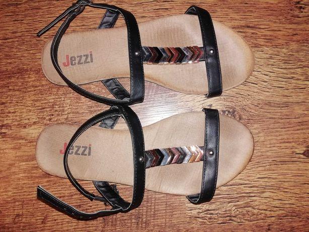 Sandały dla dziewczynki Jezzi
